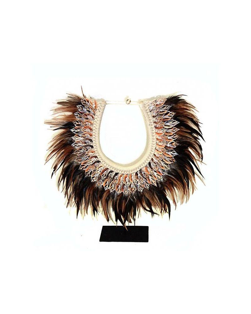 Plastron ethnique coquillages et plumes