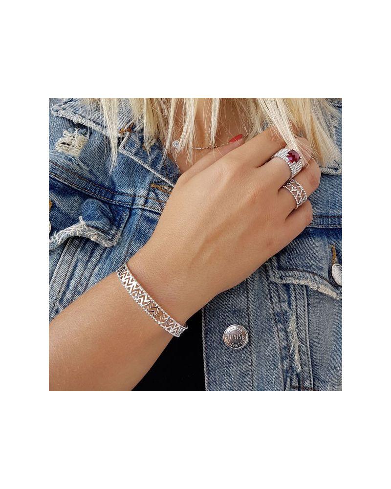 Bracelet jonc ajouré motif triangles