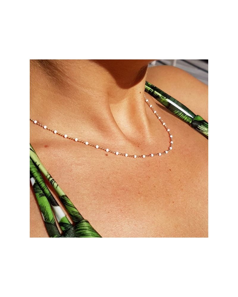 Collier ras de cou perles emai blanc