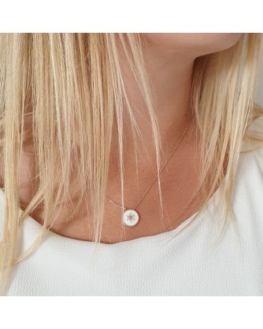 collier or pendentif email blanc