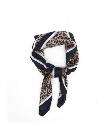 carré satin imprimé leopard