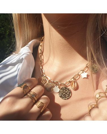 collier breloques coquillages
