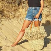 Qu'est ce qui est naturel, léger, stylé et qui nous fait craquer pour l été ?! Le sac en raphia 🌴 #sacraphia #sacraphiatressé #sacpaille #sacplage #hossegorbeach #hossegor #beachbags #beachstyle #coolstyle #madeinbali #zoshacollection