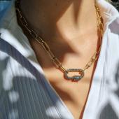 En mode strass 🌟#collier #collieror #collierdoré #strass #bijouxcreateur #bijoudujour #bijouaddict #bijoufemme #bleu #nouveautés #moodoftheday