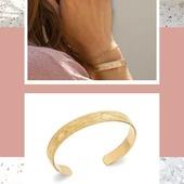 "Zoom sur ce nouveau jonc finement texturé ""Vegetal"" Or 18Kt #jonc #joncor #bijoucreateur #new #instagood #bijouxlovers #bracelets #plaqueor #bijouaddict #hossegor"
